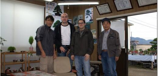 Koji Hiramatsu et son oncle avec l'équipe du shikoku muchujin 2011.
