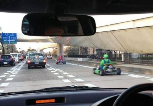 what the fuck au japon - mario kart autoroute