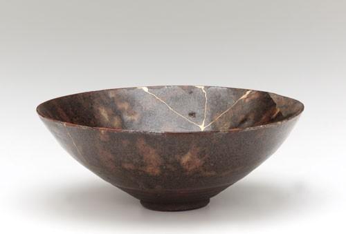 kintsugi reparer un pot a bonsai ou une ceramique