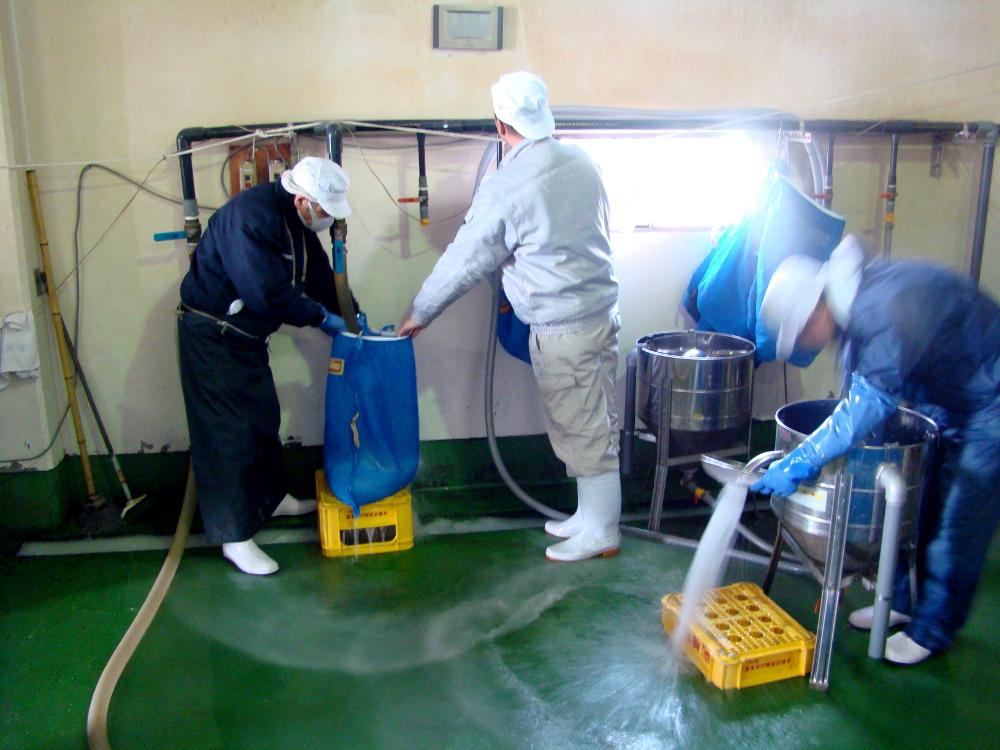 lavage du riz pour faire le sake